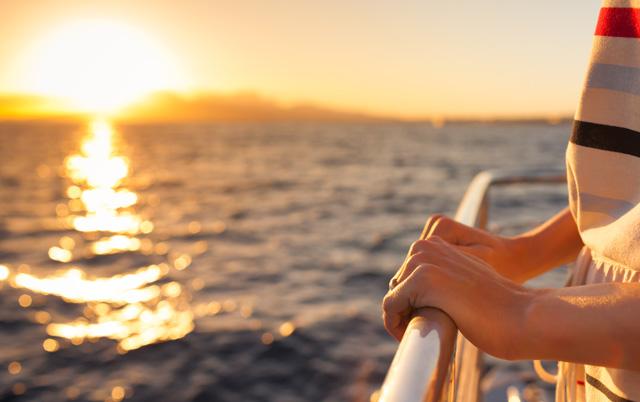 Cruise Sunset 640